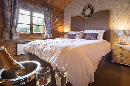 Luxury self-catering accommodation at Lapwing Lodge